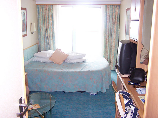 and Cruise Critic editors have to say about Serenade of the Seas cabins,